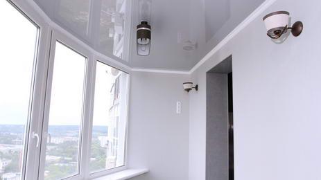 Пример установки натяжных потолков