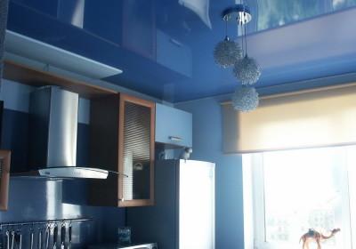 Выбор цвета натяжного потолка - голубой